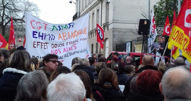 Grève dans les EHPAD : reportage àNantes